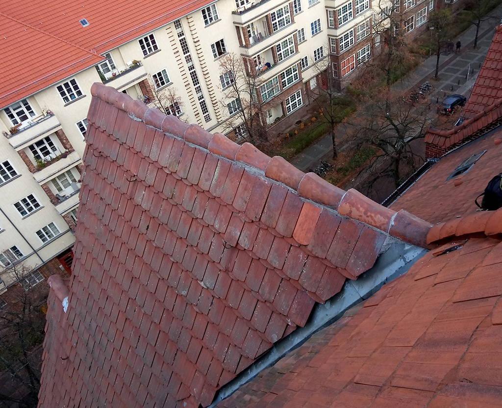 Erneuerung der Firstpfannen Berlin